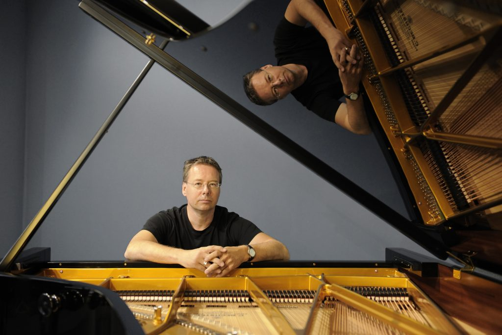 Pianist Chris Geisler: Foto frontal